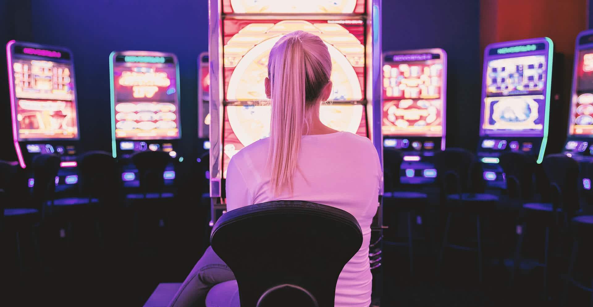 Woman Play casino